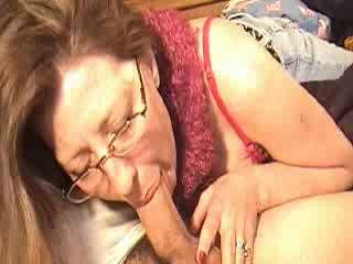 Mommy engulfing cock for a bit of specie