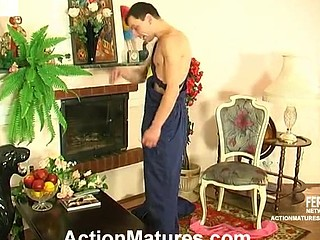 Well-hung worker giving mommy