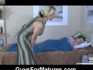 Lewd aged gal wakes up a sleepy guy itching for some morning dong-riding